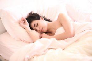 האם הרגלי השינה שלכם לא מיטיבים עם שלפוחית השתן?